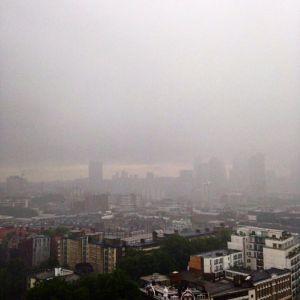 İngiltere'nin finans merkezi Londra, referandum sonrasında kara bulutlar altında.